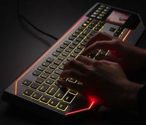 Keyboard mit LCD Touchpad